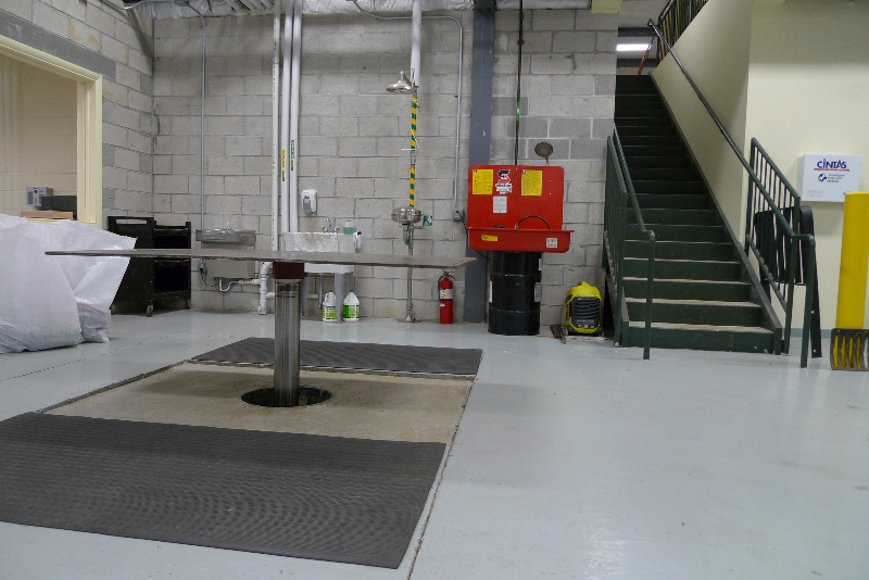 quakermayd lift in an auto garage