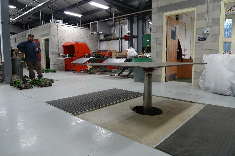 commercial lift in mechanic shop