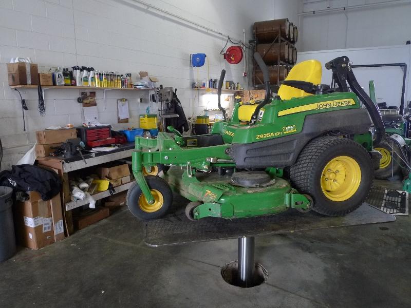 zero turn lawn mower equipment lift