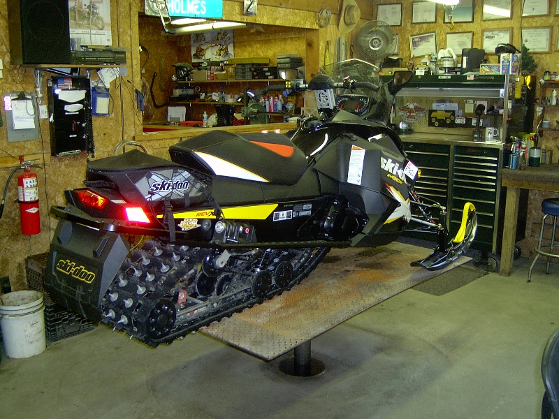 back of snowmobile on quakermayd lift